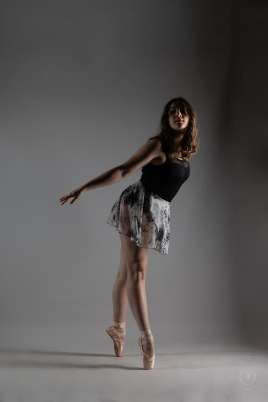 Brooke Dance shoot on pointe