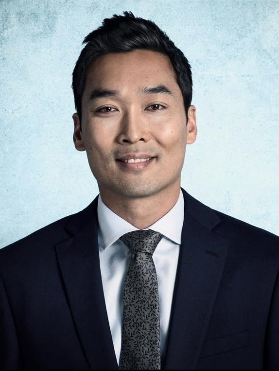 Gee Liu Headshot