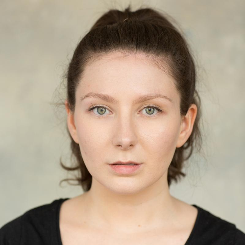 Julia Romano Headshot