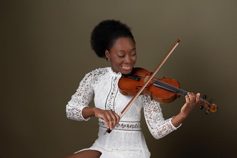 Ama and her violin
