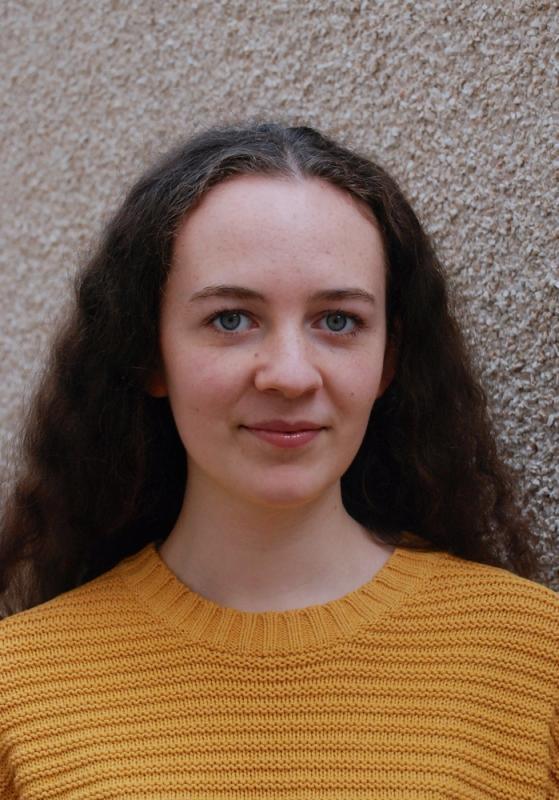 Zoë Maunder Second Headshot