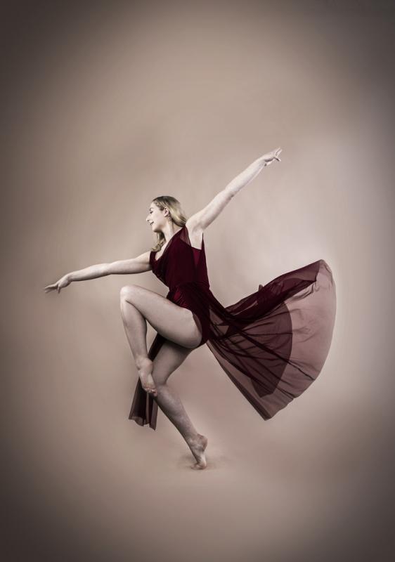 Liberty Lorne dance shot