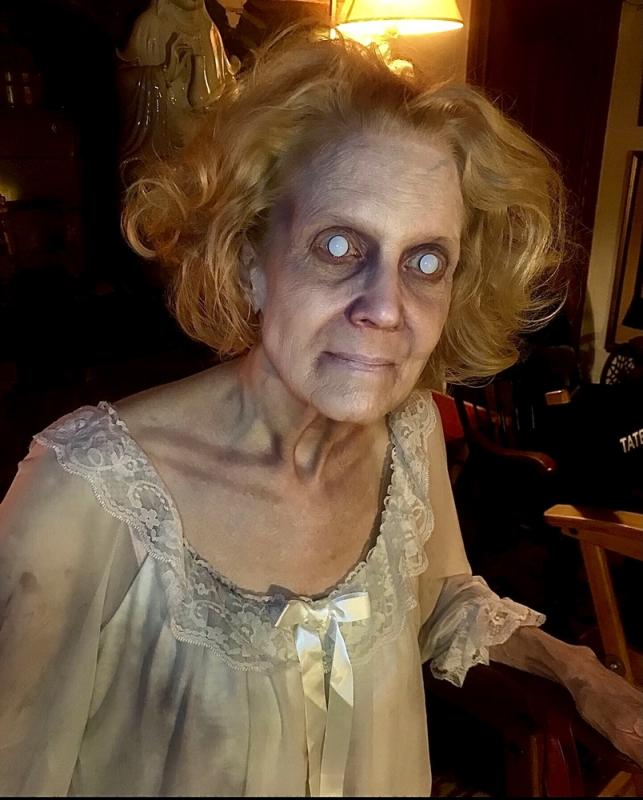 Possessed old lady Makeup