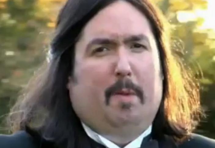 Ewen long hair