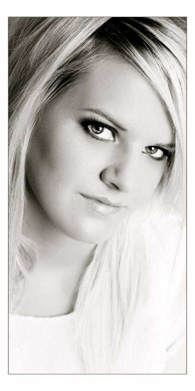 Bryony Rose Ward Singer