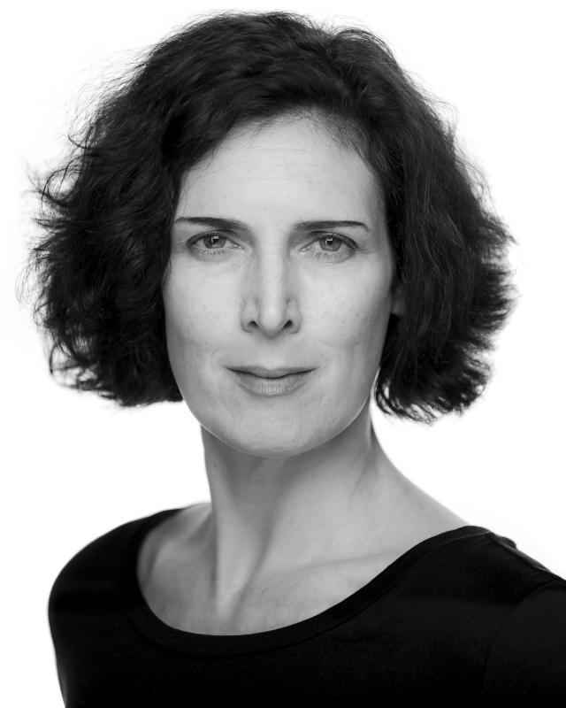 Sarah Barron headshot 1