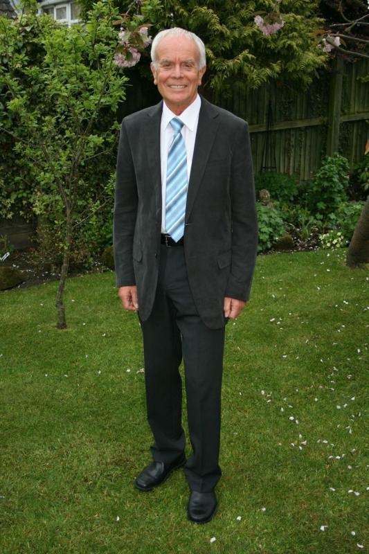 Full length tie