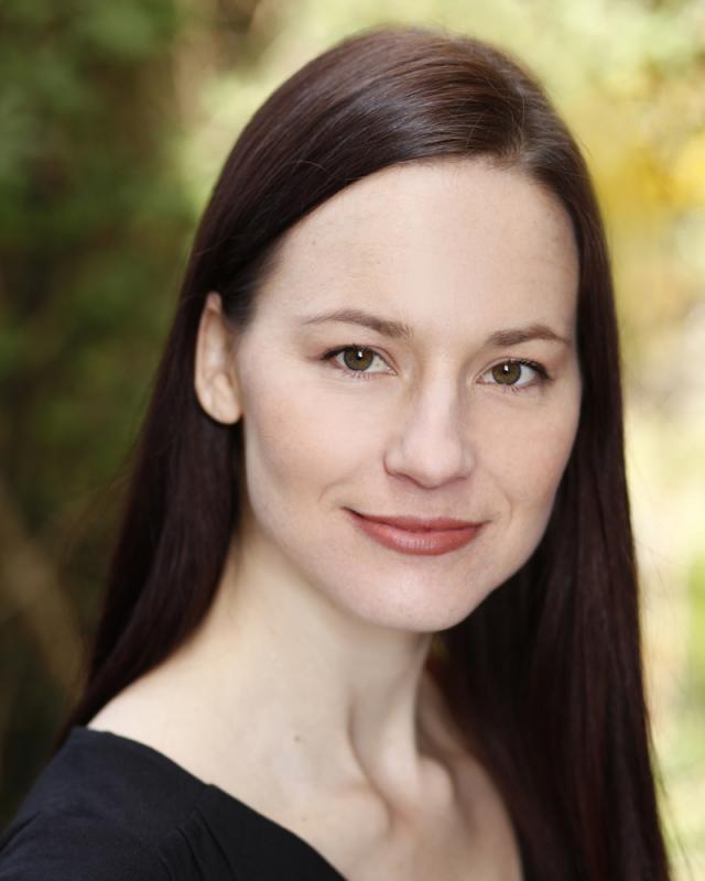 Anikó Tóth, headshot