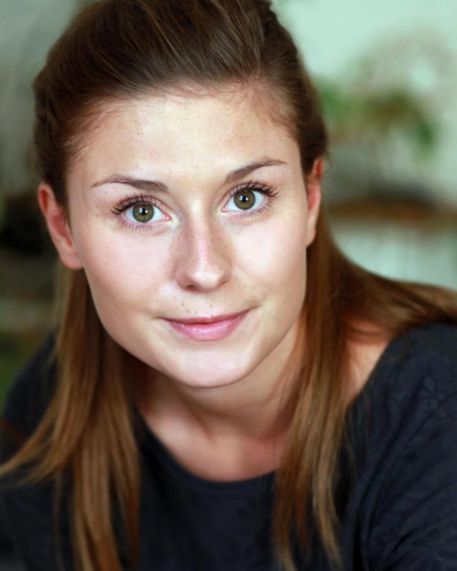 Stephanie Kreft Headshot