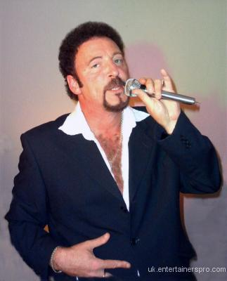 Tom jones sex bomb 2003