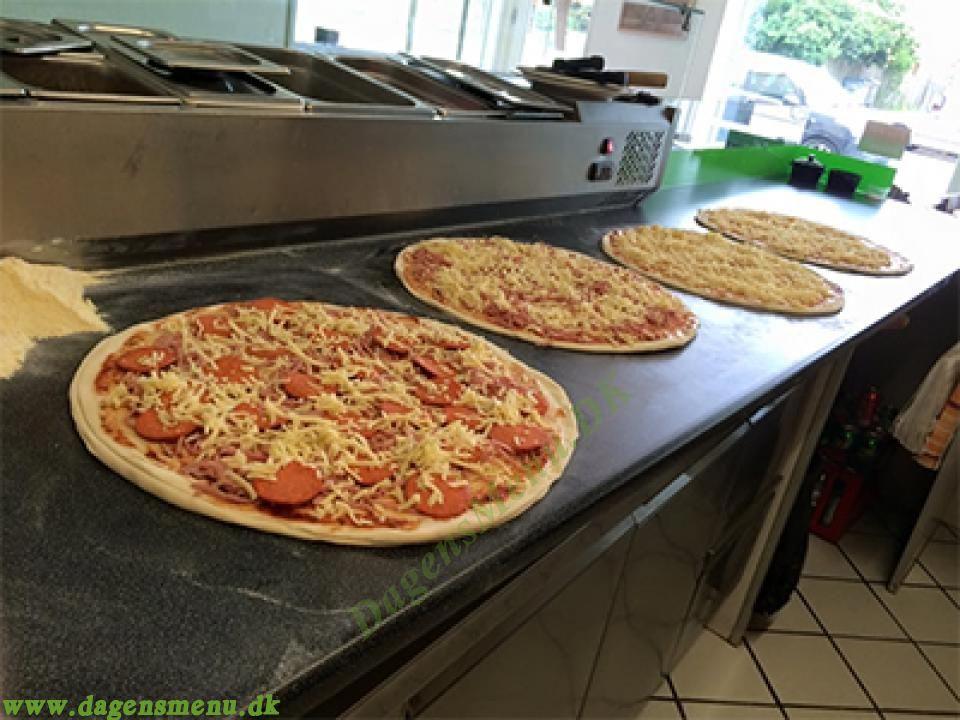 pizza røde mellemvej