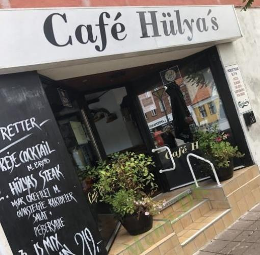 Cafe Hulyas Pizza