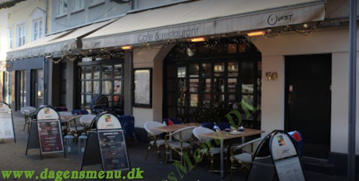 Cafe Under Uret