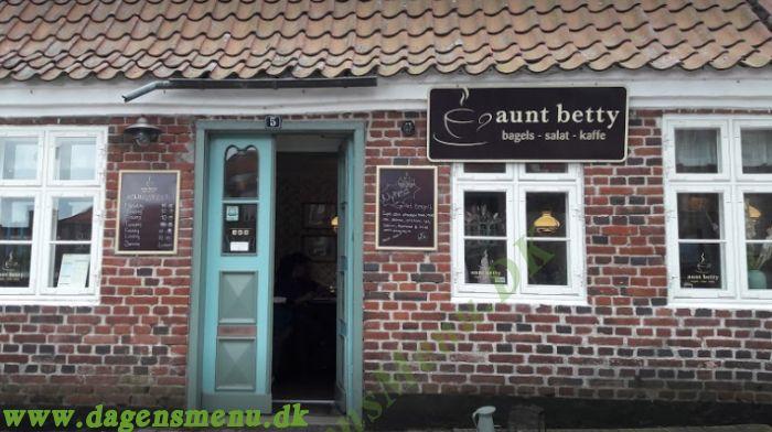 Aunt Betty Varde
