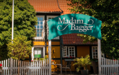 Madam Bagger