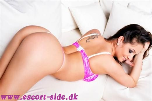 escort massage - KENDRA 1h 800 WHATSAPP ON billede
