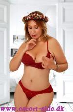 NEW SEXY BLONDINE DANIELA