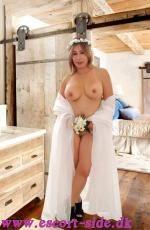 NEW SEXY BLONDINE ANA