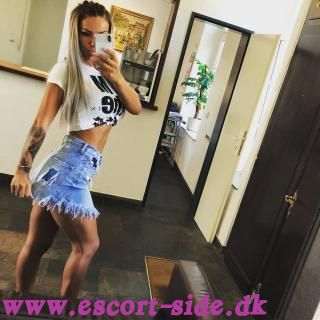 JULIA HOT ESCORT