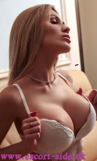 Slim, blonde big tits75E Klara