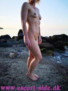 Smukke danske Julie 25år.