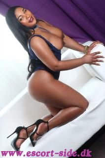TANIA Sensational Escort Top