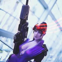 Overwatch cosplay: Widowmaker, Reaper, Tracer and Mercy