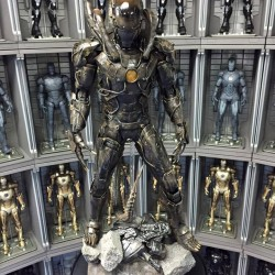 Behold this incredible Iron Man Xenomorph