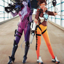 Sizzling Overwatch cosplay
