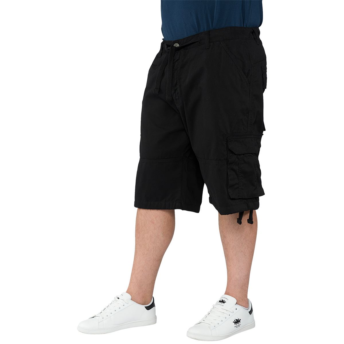 Shorts Kingsize carry big men's shorts all year round. Here you will find a vast selection of denim, chino, jersey, and quick dry activewear shorts from leading brands.