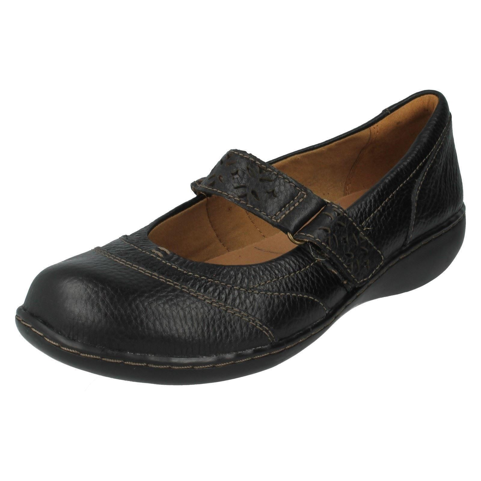 Clarks Shoes Mary Jane Style