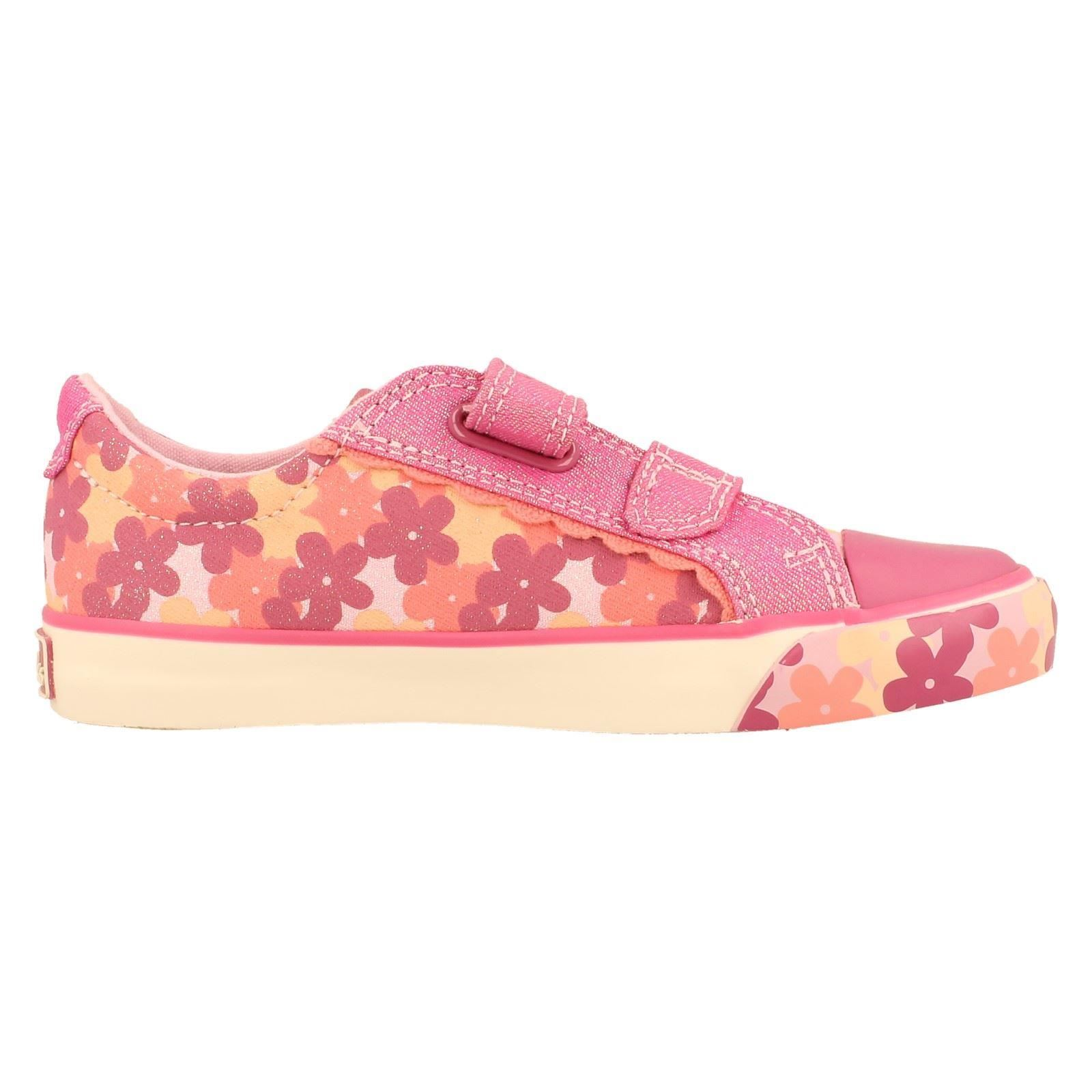 Girls Clarks Canvas Shoes Style Gracie Mae-W