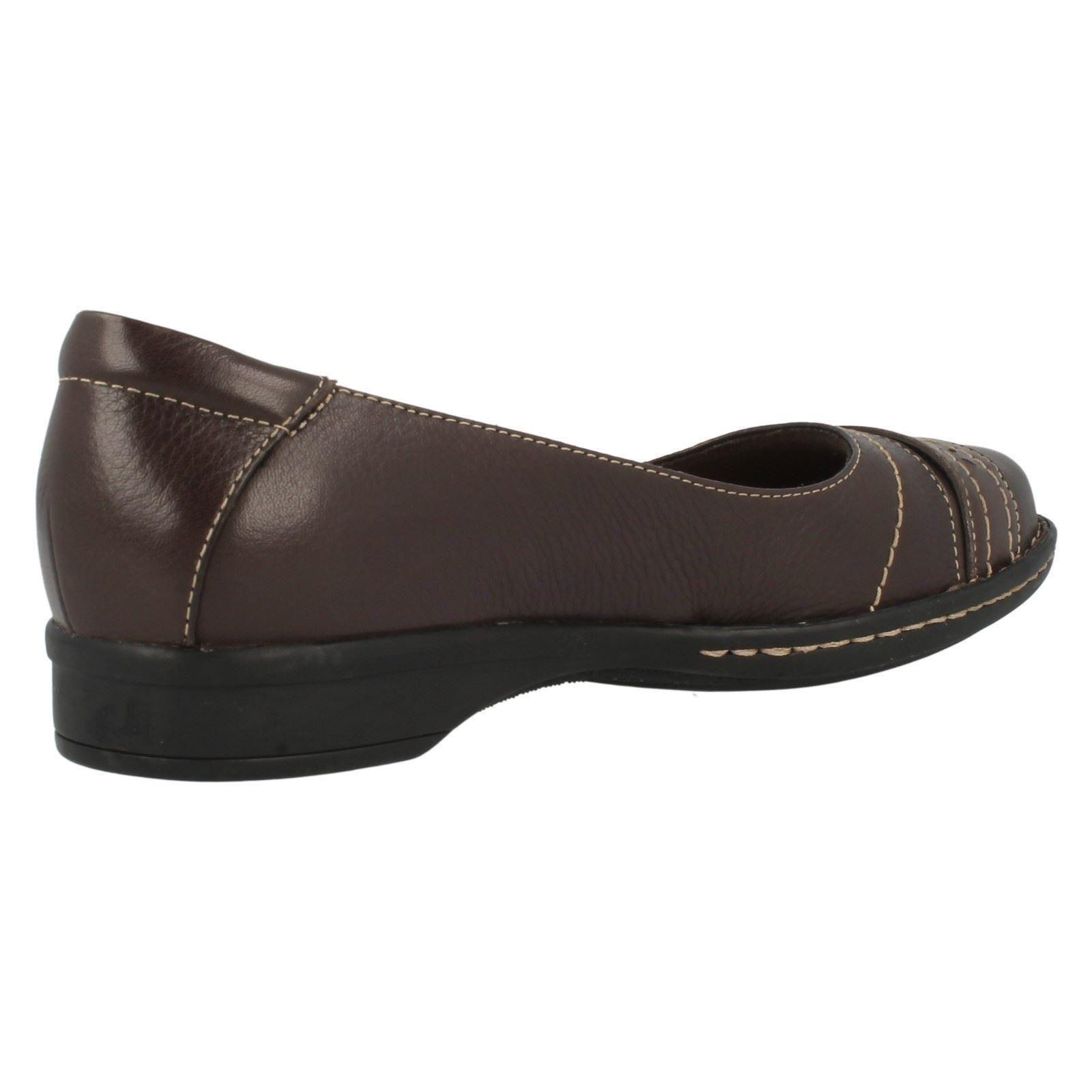 Damas Clarks Casual Zapatos sin Taco Estilo-Esmond Duchess