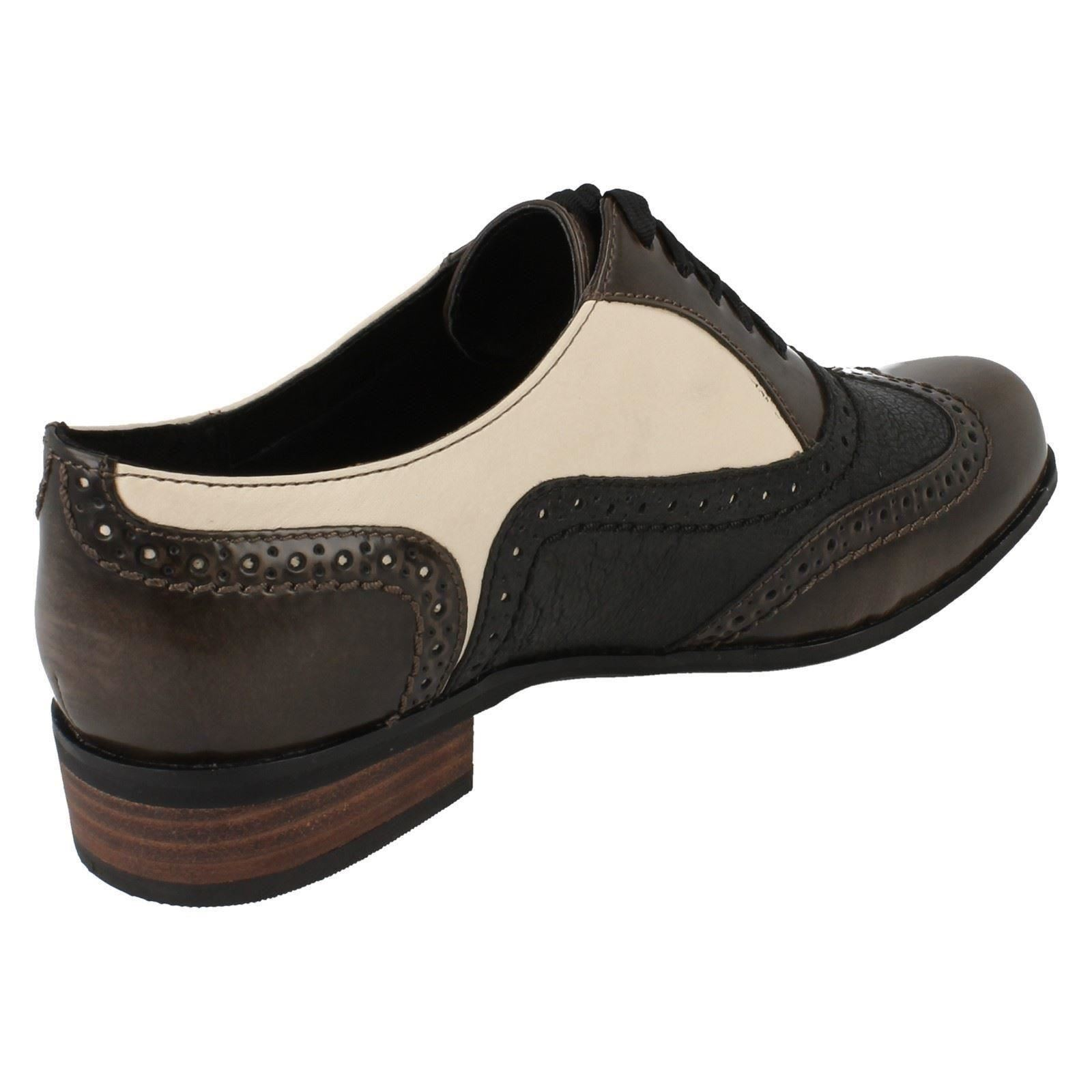 Ladies-Clarks-Brogues-Hamble-Oak