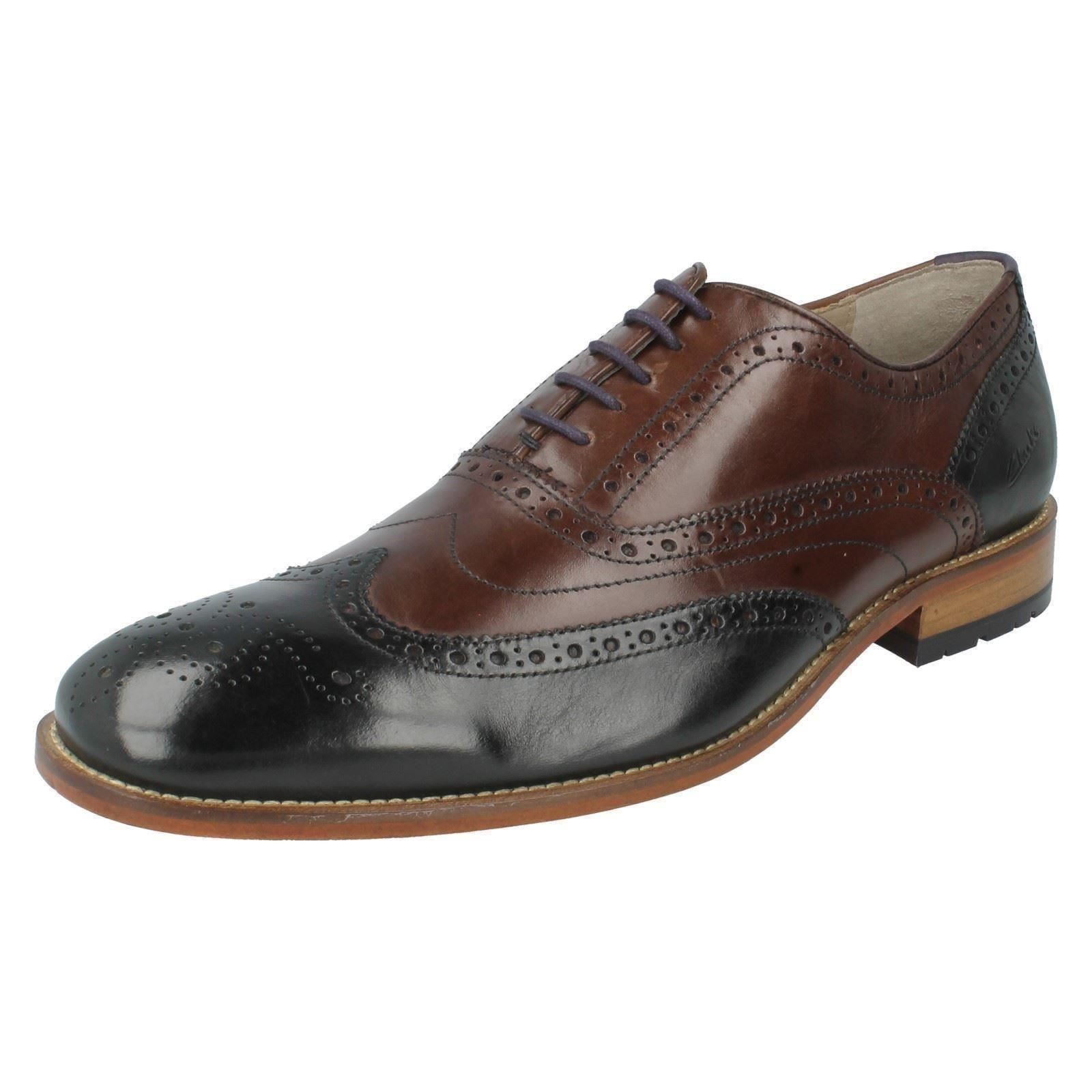 Men's Clarks Formal Brogues Shoes The Style -  Penton Linint