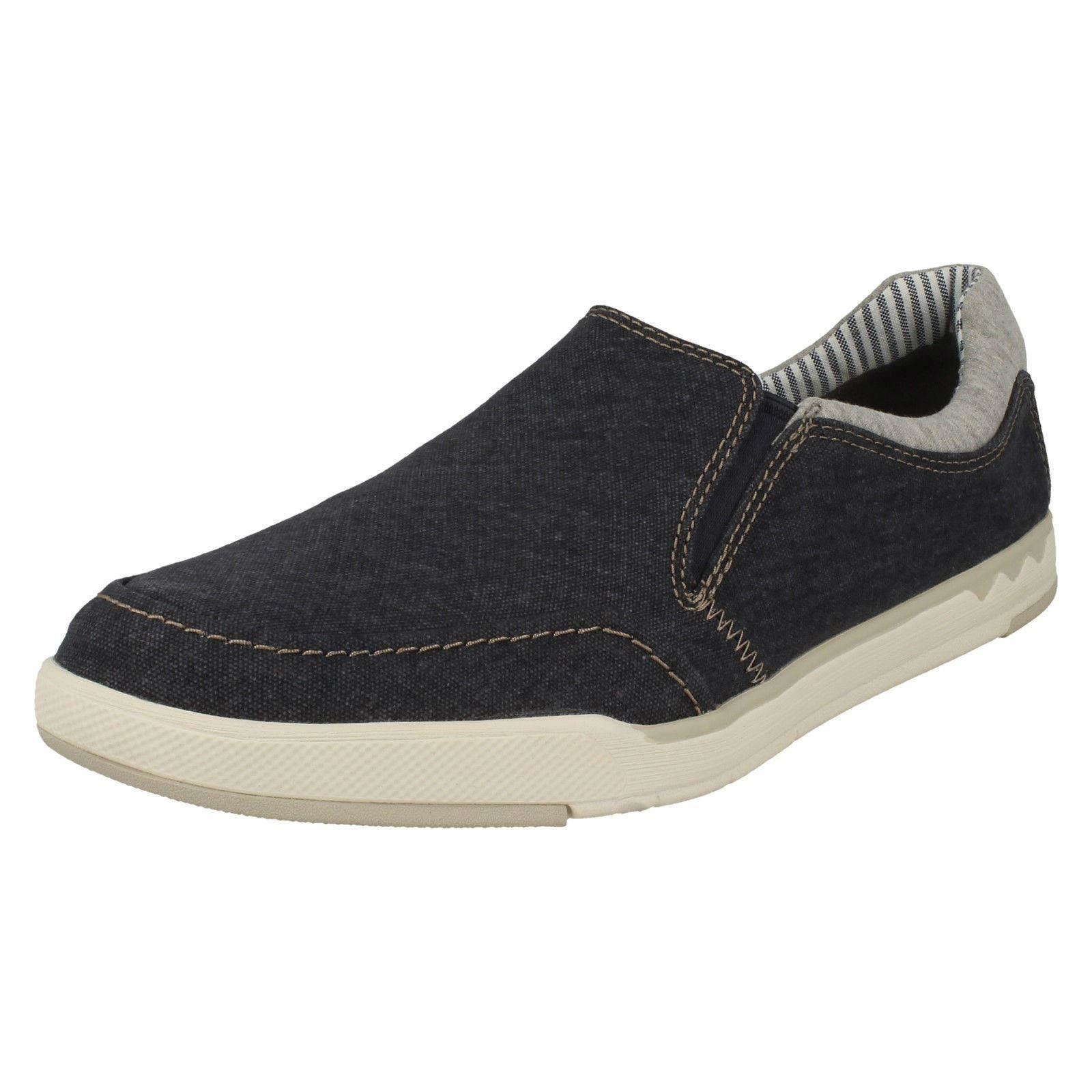 b2480dc342 Mens Clarks Casual Canvas Shoes Step Isle Slip UK 8.5 Navy (blue) G. About  this product. Picture 1 of 8  Picture 2 of 8 ...
