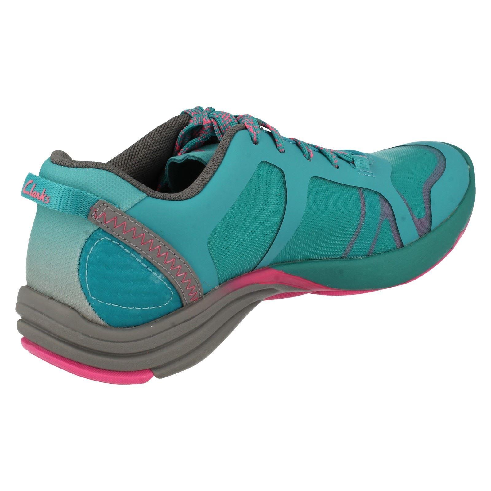 wholesale dealer ca312 577cd ... Baskets Femme Femme Femme Clarks casuals style-Wave kick 489ee8 ...