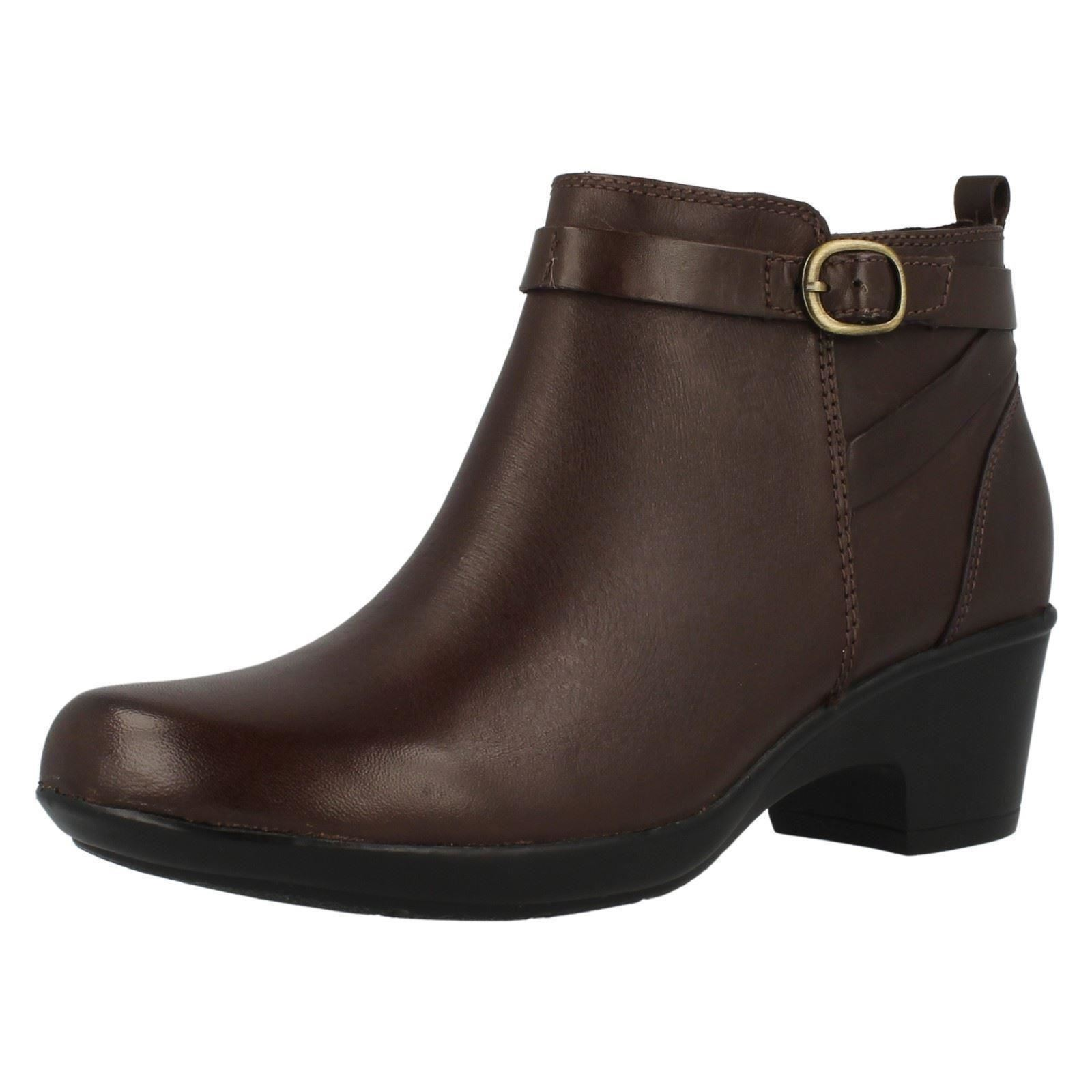 aaa087a75b63c4 Ladies Clarks Zip up Leather Ankle BOOTS Malia Hawthorn Brown Leather 8 UK  E. About this product. Picture 1 of 9  Picture 2 of 9 ...