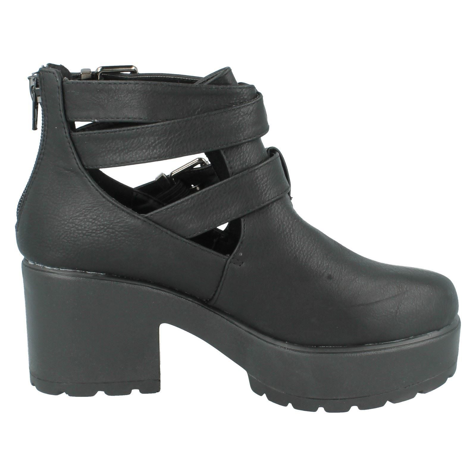 Girls Spot On Ankle Boots H3038