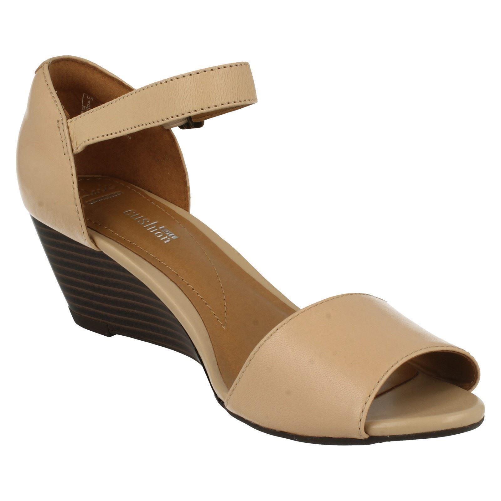 Messieurs / Dames Dames Dames Mesdames clarks coincée sandales style-Brielle drive bonne affaire Forte valeur Mode moderne 261ceb