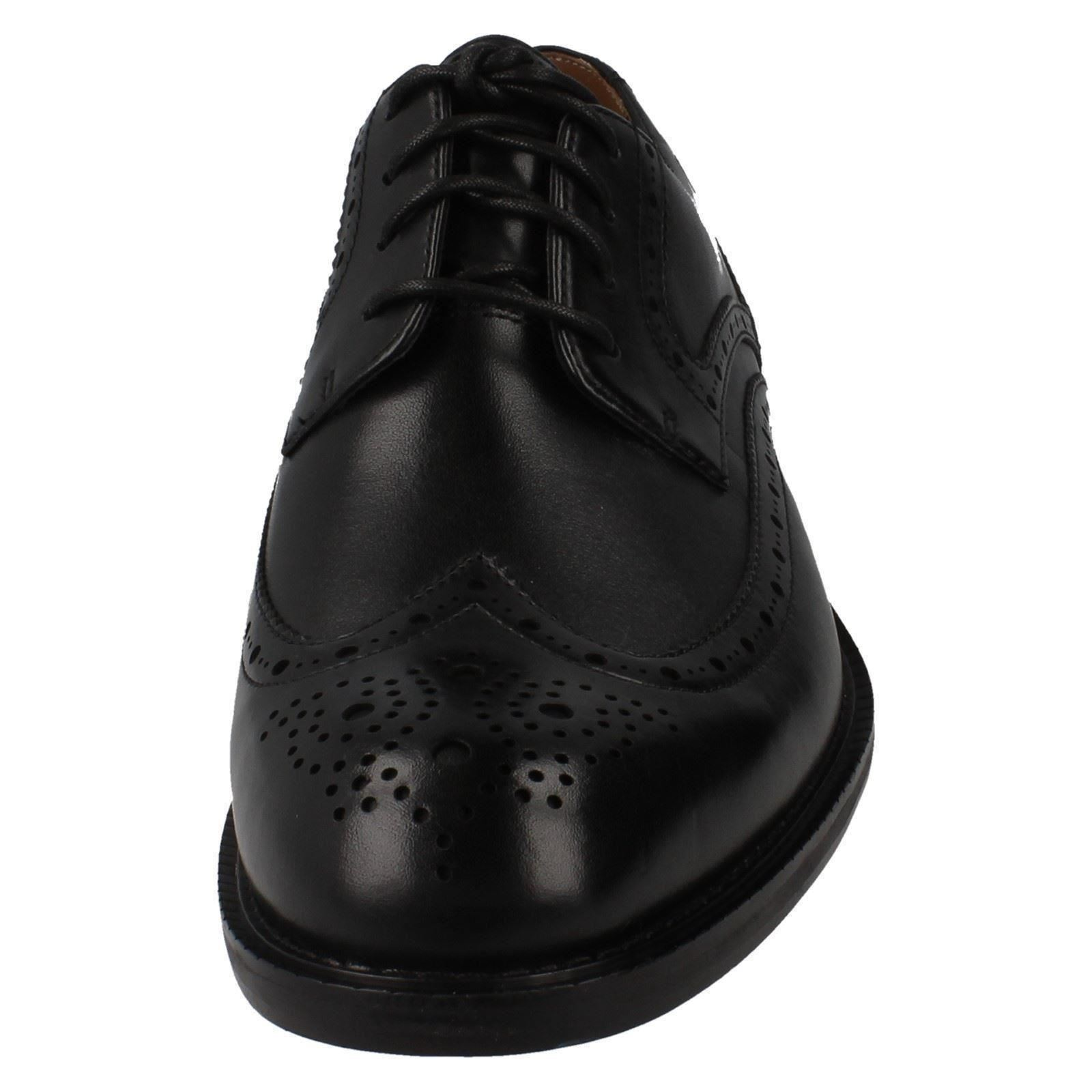 364cd8ffffc Mens Clarks Formal Lace up Brogue Shoes Dorset Limit Black UK 9.5 H. About  this product. Picture 1 of 9  Picture 2 of 9 ...