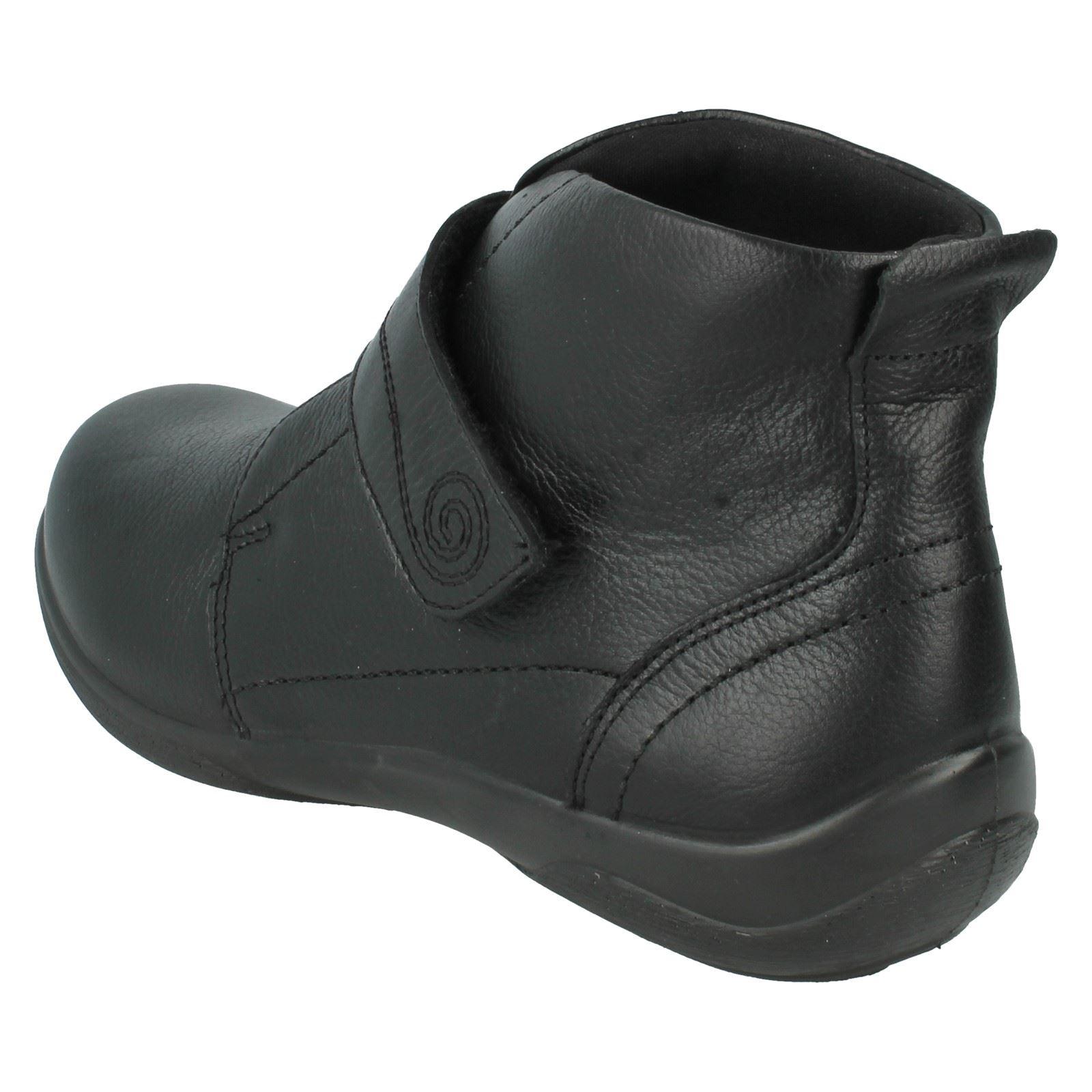 Ladies Padders Bnkle Boots Jive