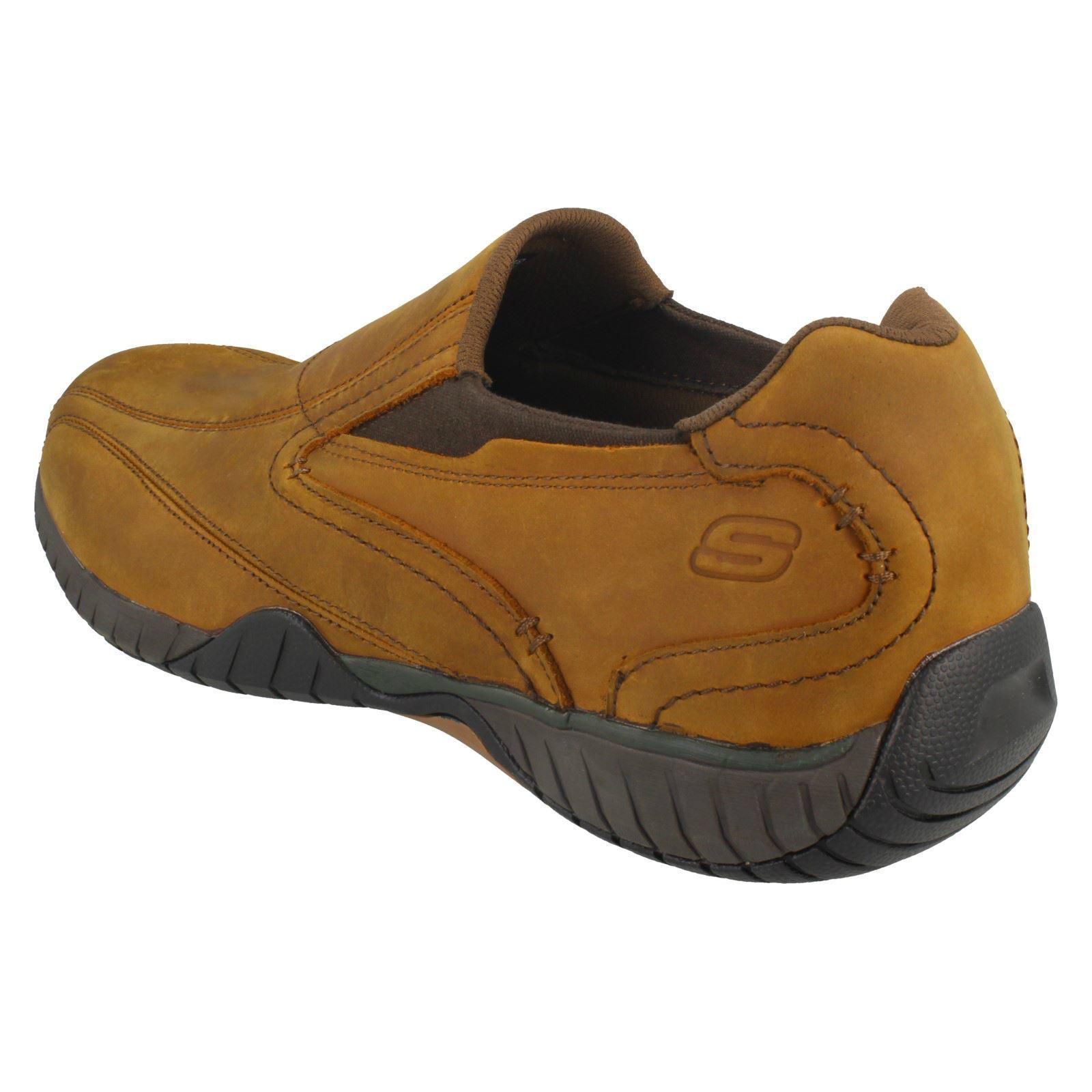 Trainers Herren Skechers Slip On Casual Schuhes / Trainers  Style Bascom  N fbbc0e