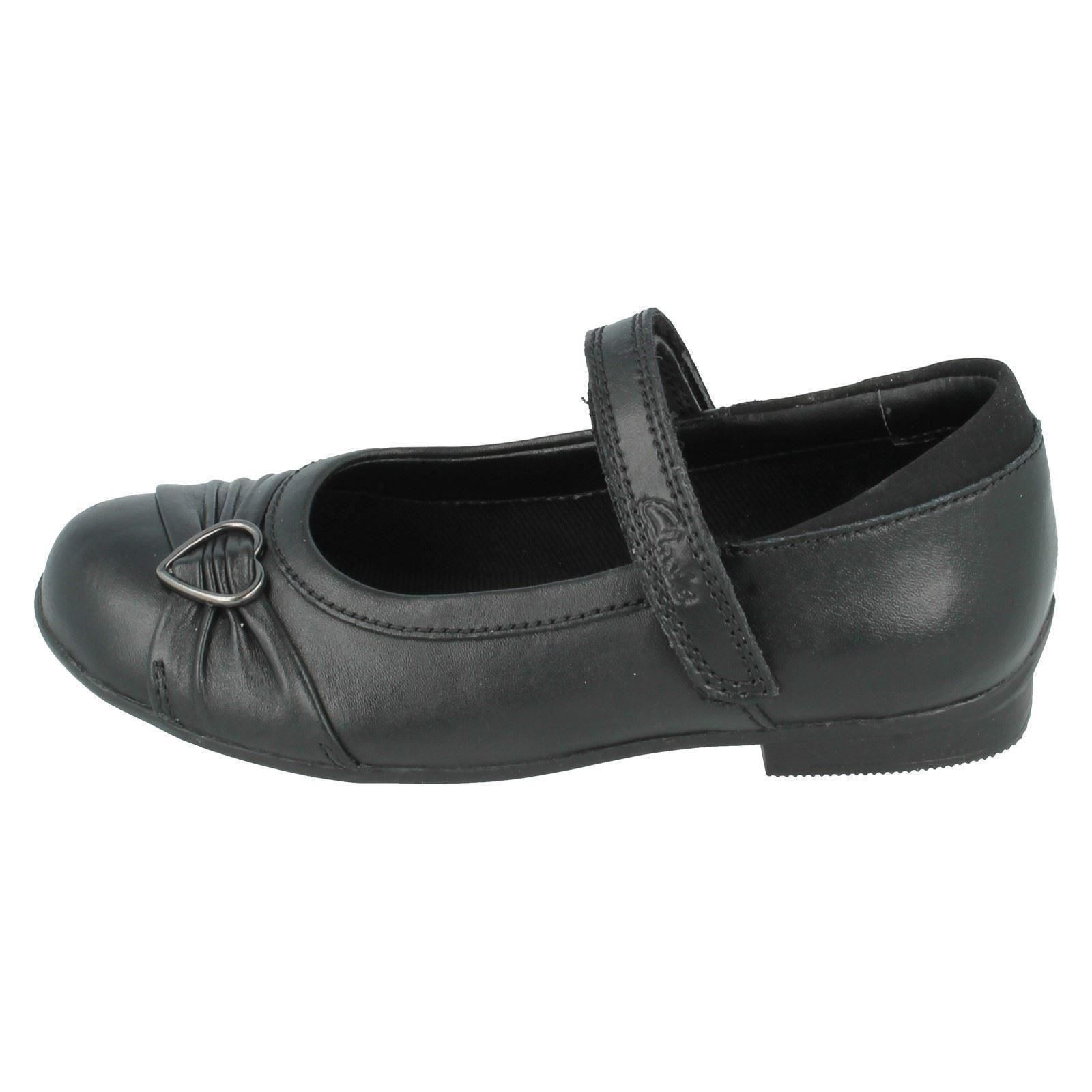Girls Clarks Shoes Style Dolly Heart