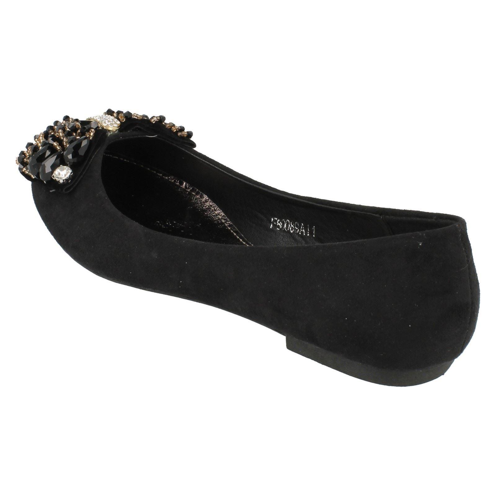 Señoras de punto en zapatos de la Bailarina-f80089