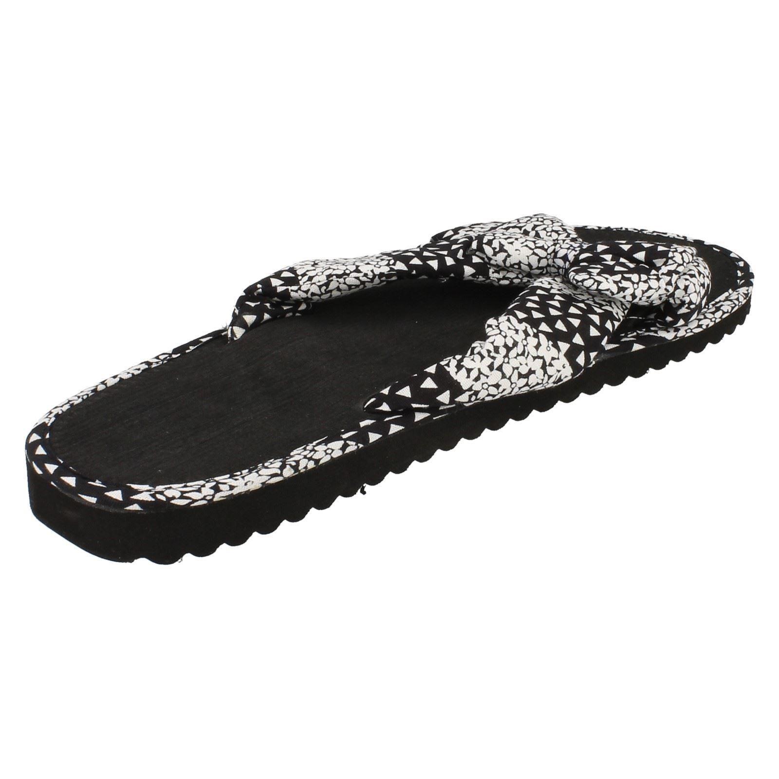 Damas Spot on Slip On Mula Sandalias ~ K