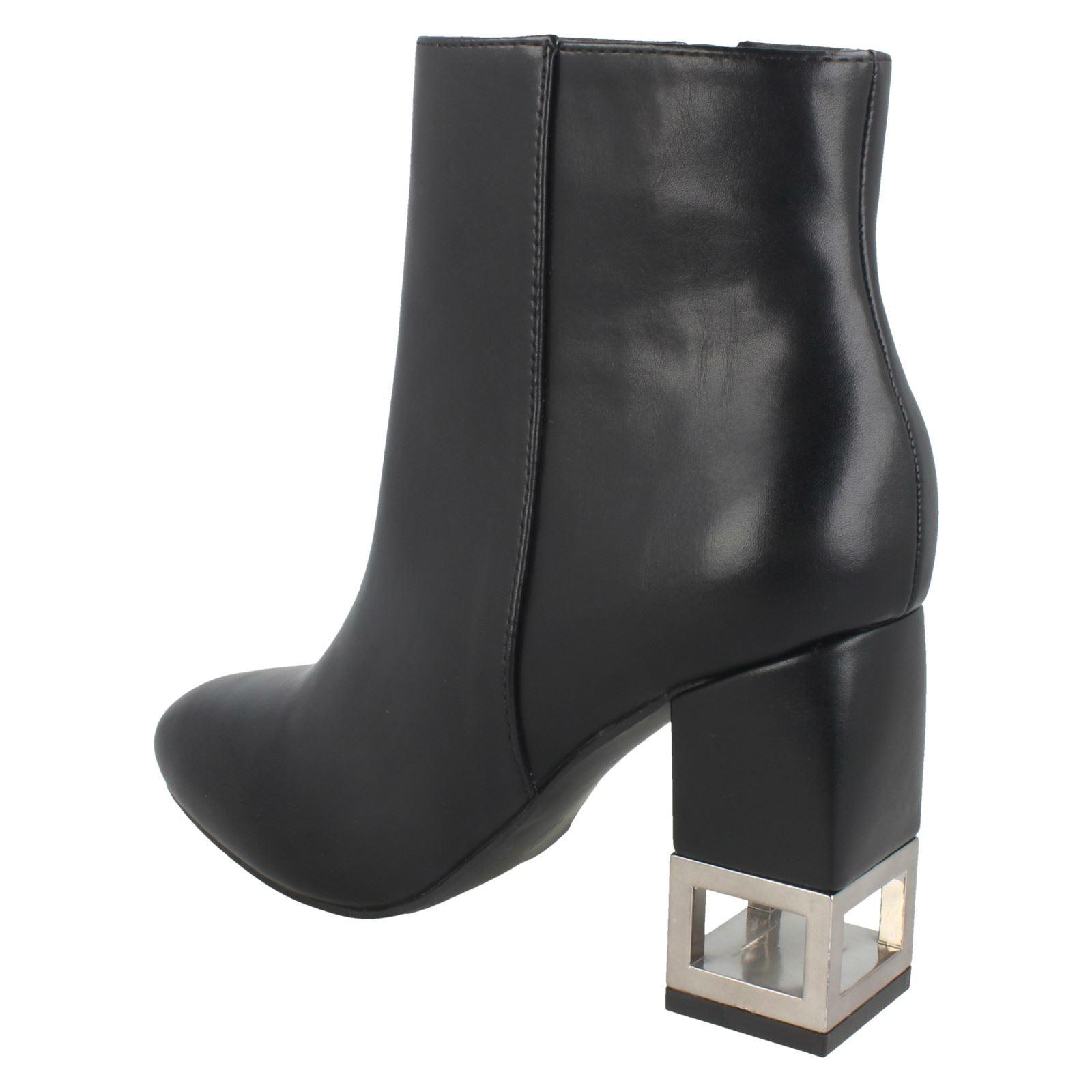 Stiefel Ladies On Style schwarz F5r0886 Ankle Ankle Ankle Spot qaSx6awRt 95339b