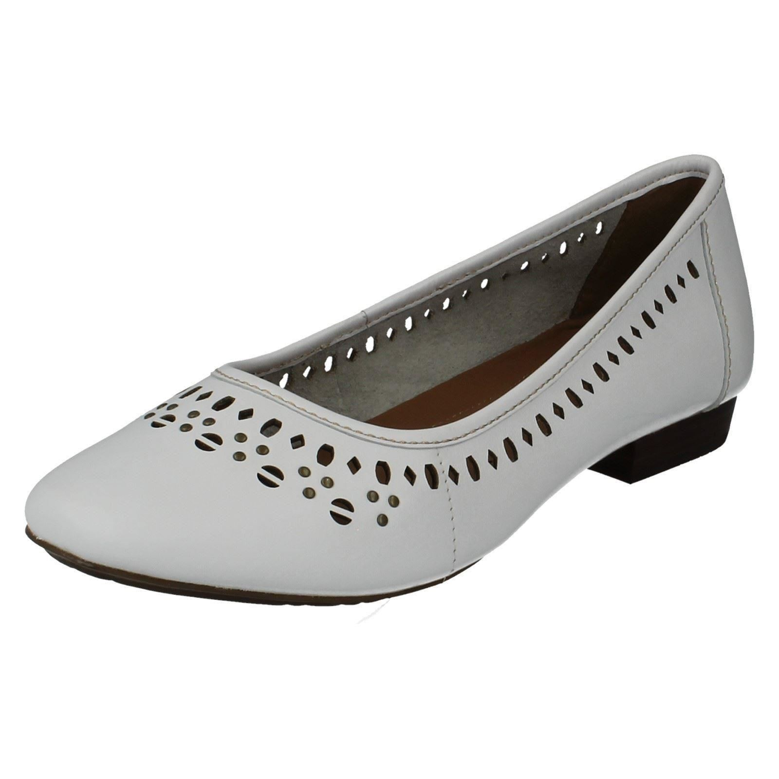 Ladies Clarks Flats Henderson Hot; Picture 2 of 10 ...