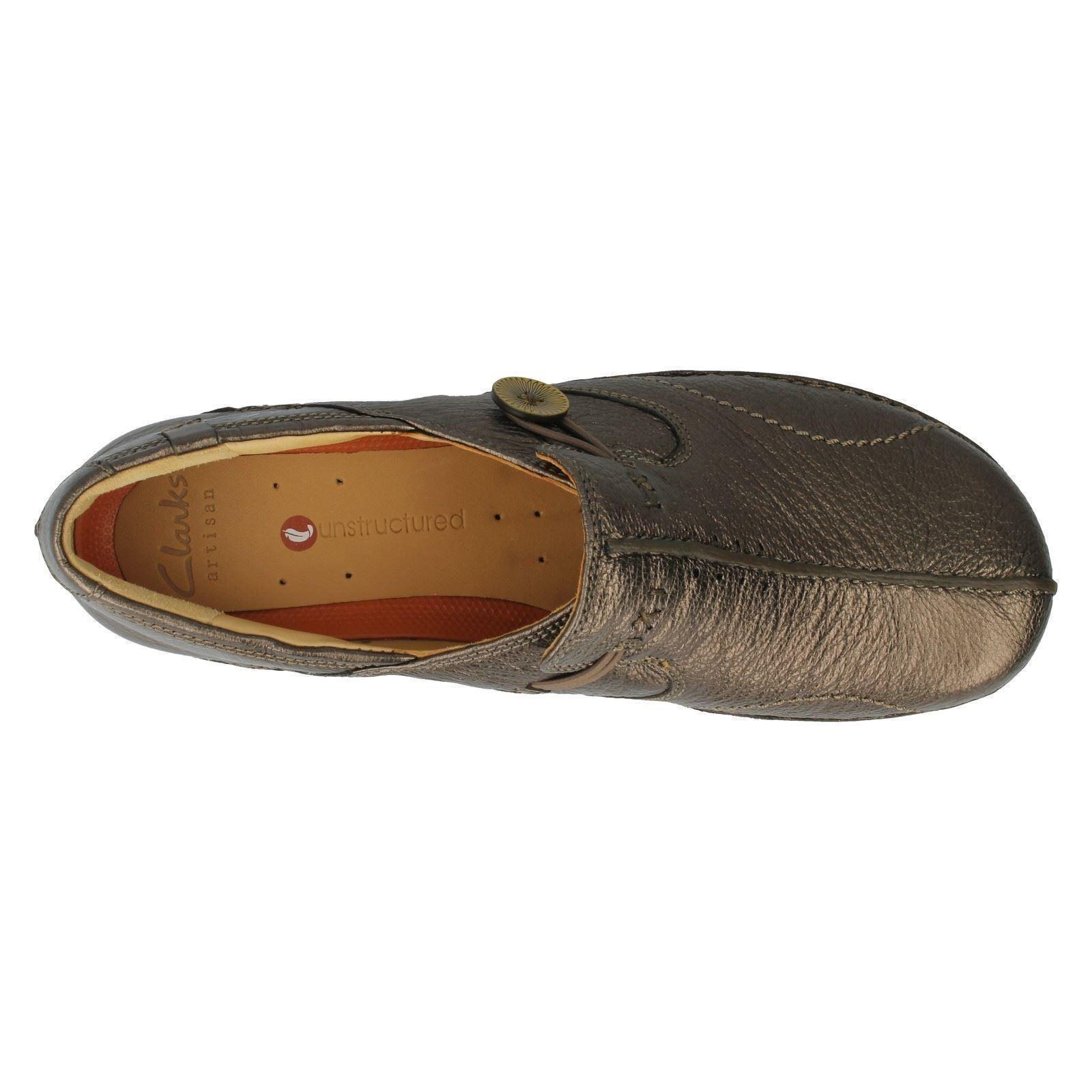 Clarks Un Loop Black Leather Flat Slip On Shoes