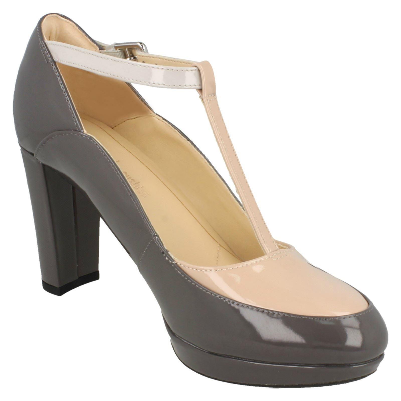 Ladies Clarks T-Bar Block Heel Smart Court Shoes Kendra Daisy